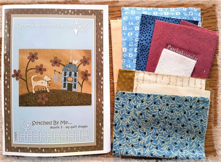 stitched by me lynette anderson patchwork quilt sewing room salle de couture boutique quilt shoppe wool fabric flower dog appliqué